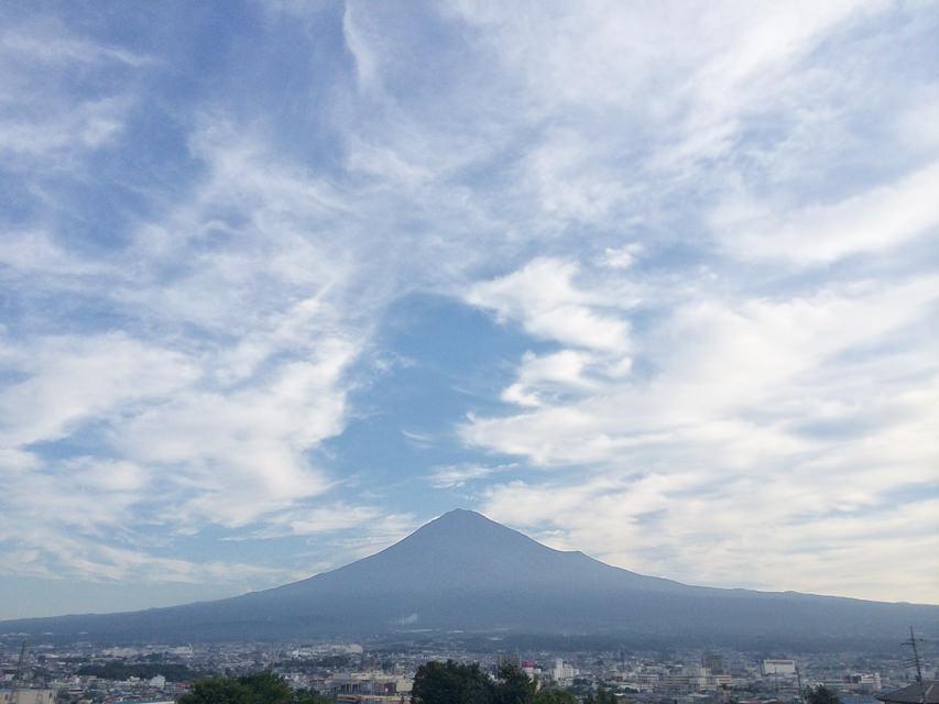 台風19号通過翌朝の富士山